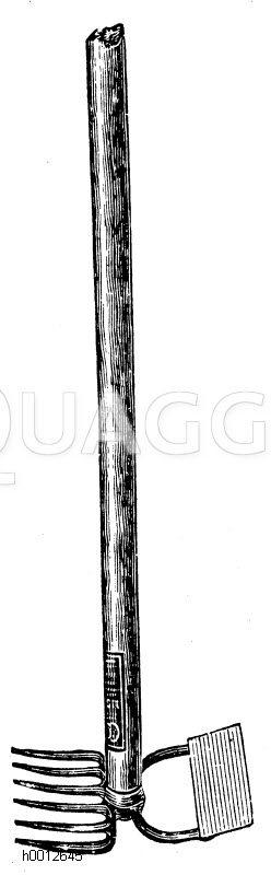 Hacke mit Krail (Karst) aus Stahl Zeichnung/Illustration