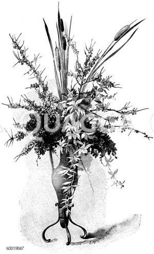 Blumenvase mit herbstlicher Füllung (Beerenzweige