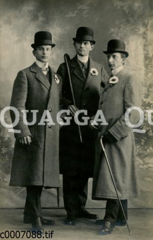 Drei Männer mit Melone