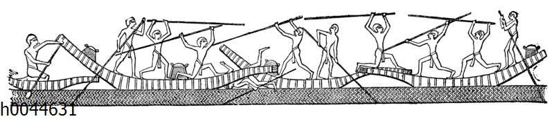 Ägyptische Bootsleute mit Ruderstangen kämpfend