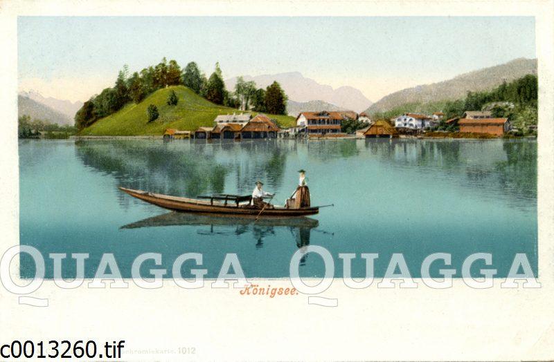 Mann und Frau auf einem Boot im Königssee