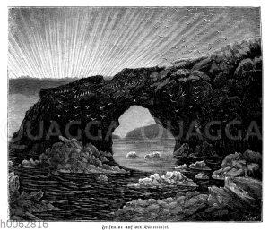 Felsentor auf der Bäreninsel