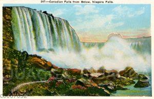 Niagara-Fälle von unten gesehen