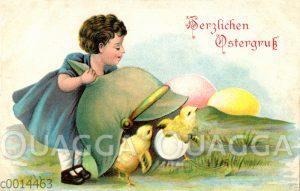 Mädchen findet schlüpfende Küken unter einer Pickelhaube