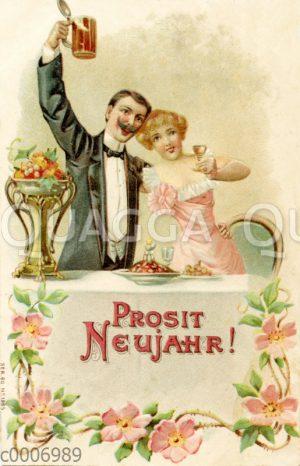Festlich gekleidetes Paar trinkt Bier und Wein