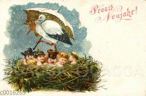 Storch mit Schirm wacht über einem Nest voller Kleinkinder