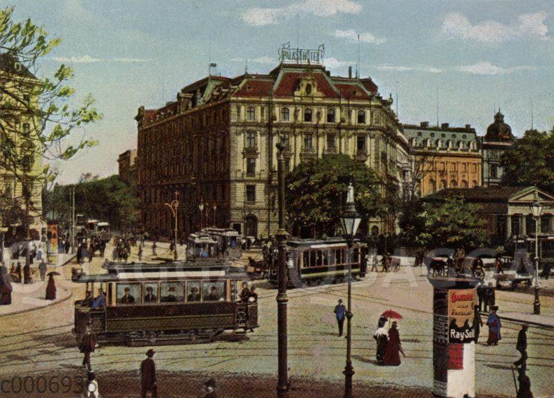 Berlin: Palasthotel und Straßenbahn