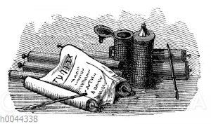 Bilderrolle mit Schreibgeräten